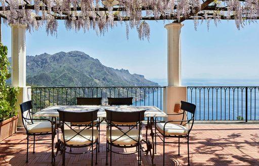 palazzo avino terrace dining