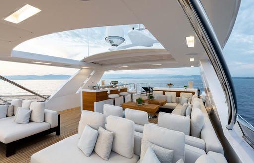 sundeck of benetti yacht jacozami