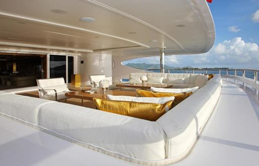 Benetti Charter Yacht 'Lady Luck' To Attend Fort Lauderdale International Boat Show 2016 photo 3