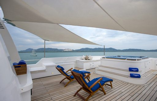 Charter A Luxury Yacht For Chinese New Year 2016 photo 5