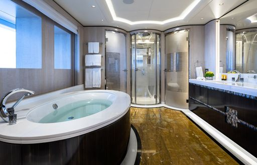 Ensuite on superyacht O'PARI with spa bath tub and large shower