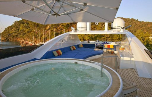 Superyacht TURQUOISE Offers up to 30% Discount on Caribbean Charters Between February and April  photo 5