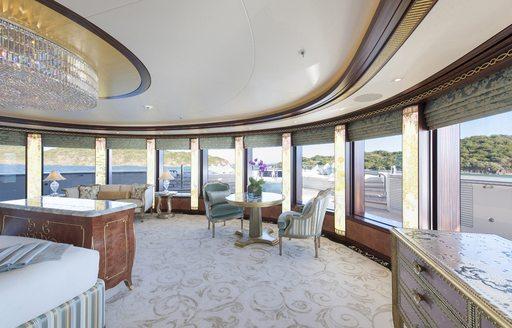 SOLANDGE's panoramic master suite