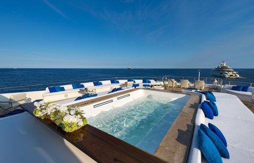 Yacht Serenity's huge swimming pool