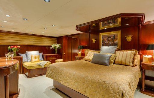 luxury charter yacht blackwood principal stateroom