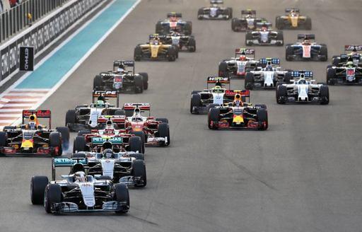 Cars racing at F1 Abu Dhabi Grand Prix