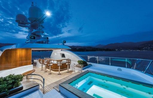 audaces motor yacht jacuzzi