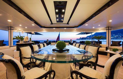 superyacht lioness v dining area