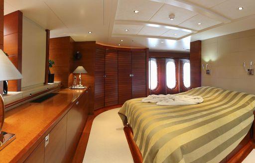 full-beam master suite on board charter yacht BELUGA