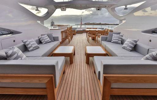 exterior spaces on yacht bon vivant