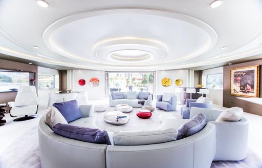 Salon and dining on superyacht SALUZI