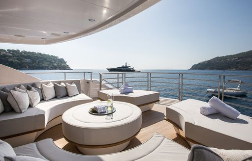 Superyacht THUMPER's deck seating aft