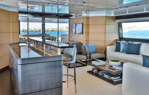 bar-onboard-yacht-bon-vivant