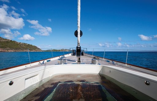 the tender well on the foredeck of sailing yacht TIARA converts into a spa pool