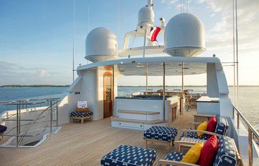sundeck onboard motor yacht playpen