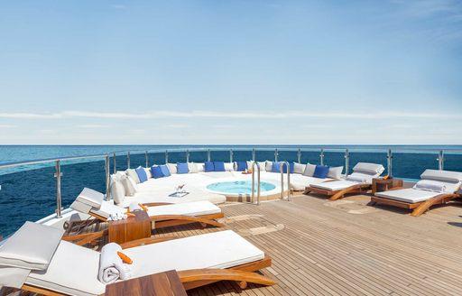 Sun deck O'Mega