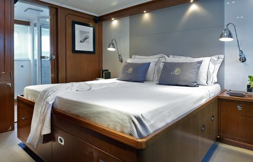 sophisticated master suite on board classic yacht 'Heavenly Daze'