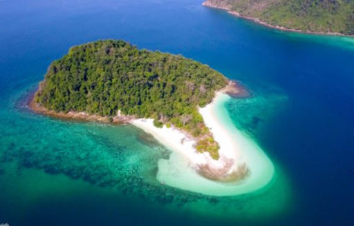 Why You Have To Experience A Luxury Yacht Charter In The Mergui Archipelago photo 2