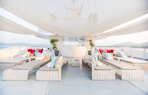 Superyacht SALUZI seating on sun deck