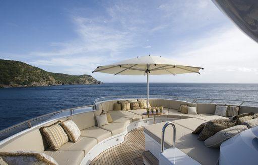 Superyacht UTOPIA's deck seating