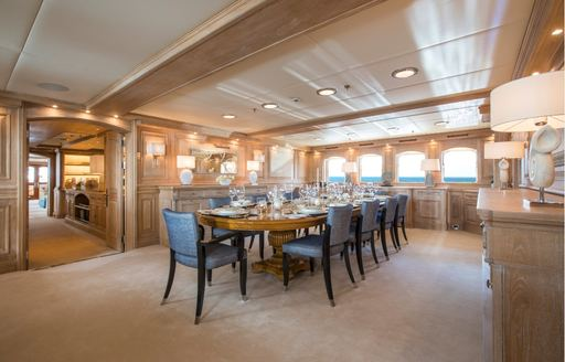 Formal dining onboard MY Nero