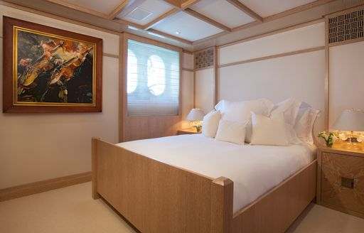 Guest double stateroom on motor yacht FRIENDSHIP