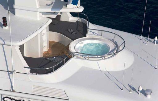 motor yacht cyan jacuzzi