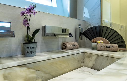 Marble style sink on motor yacht Cinquanta 50