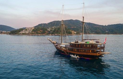 Luxury phinisi Dunia Baru at the Kata Rocks Superyacht Rendezvous 2017