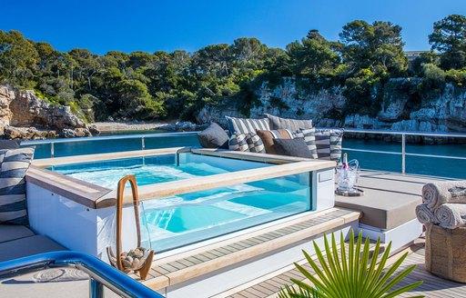 Jacuzzi pool on sundeck of luxury yacht Mimi la Sardine