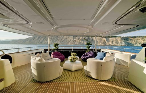 Yacht Bunker's outdoor seating
