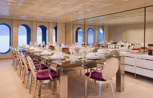 motor yacht IDOL's dining room
