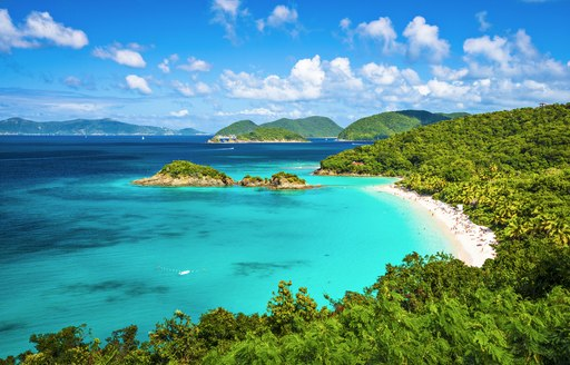 COVID-19 : Summer 2021 yacht charter destinations close to the USA photo 18