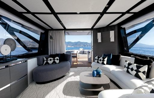 Salon onboard MY Never Give Up