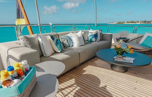 Luxury yacht HEAVEN CAN WAIT's lounging areas