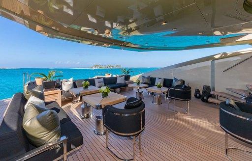 db9 motor yacht al fresco dining