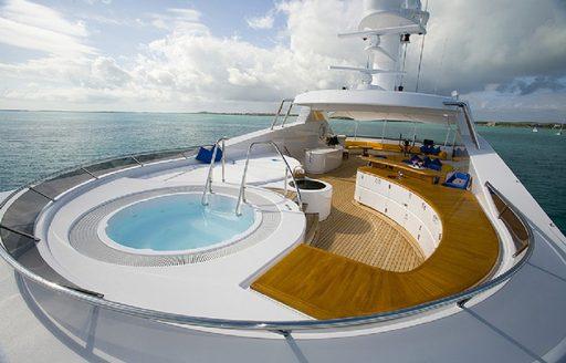 Feadship superyacht PICNIC's jacuzzi