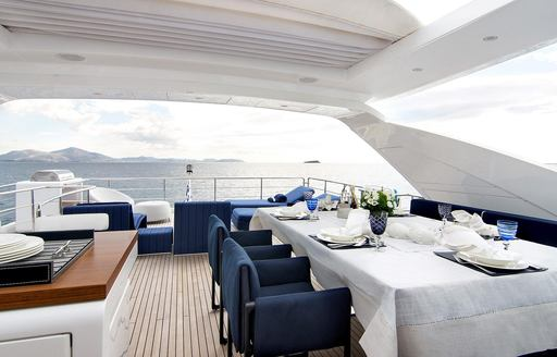 Charter yacht MEMORIES TOO al-fresco dining space