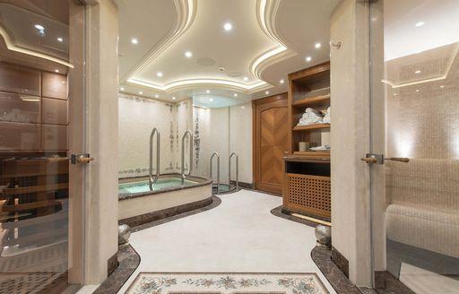 En suite aboard luxury charter yacht ARETI
