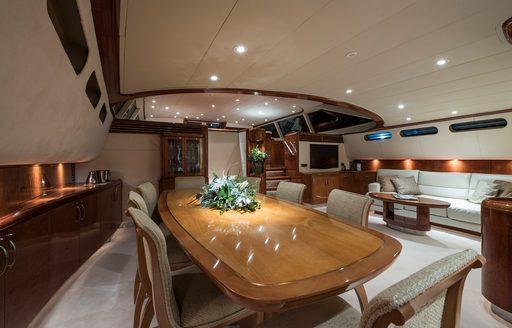 main salon thandeka yacht