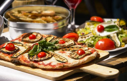 a deliceous and authentic italian meal prepared by the chef of a luxury charter yacht for the guests who want to explore the Mediterranean