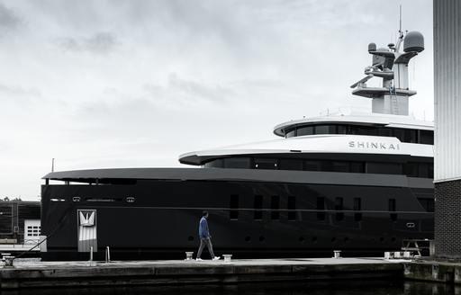 superyacht shinkai leaving yard in Aalsmeer