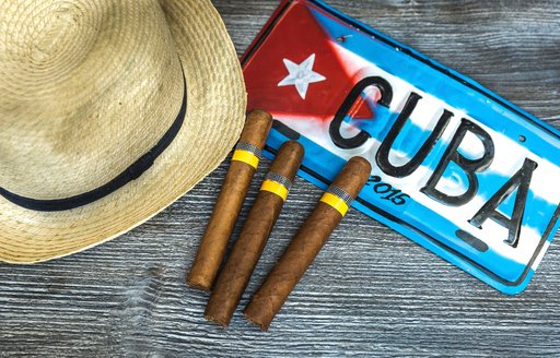 Cuban cigars and straw hat