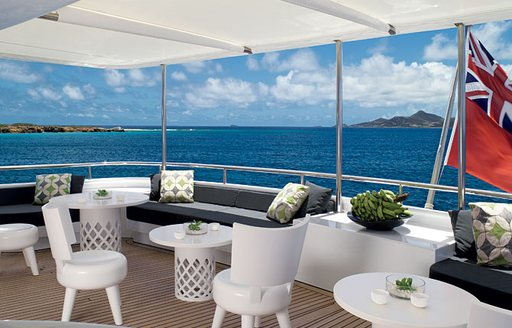 sundeck seating motor yacht CYAN