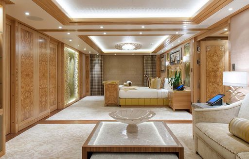 Guest cabin on superyacht SOLANDGE