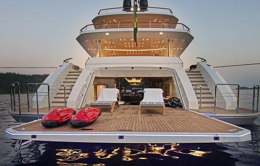 motor-yacht-babas-beach-club