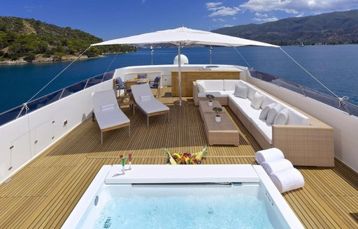 Charter Yacht O'LEANNA Available In Greece This September photo 6