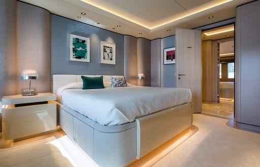Large cabin on superyacht O'PARI