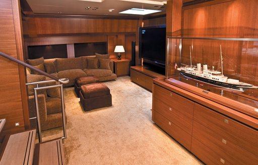 Charter Yacht ETHEREAL Main Salon