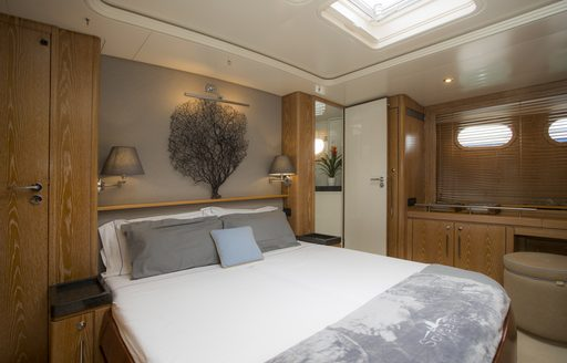 owners cabin on luxury charter yacht songbird